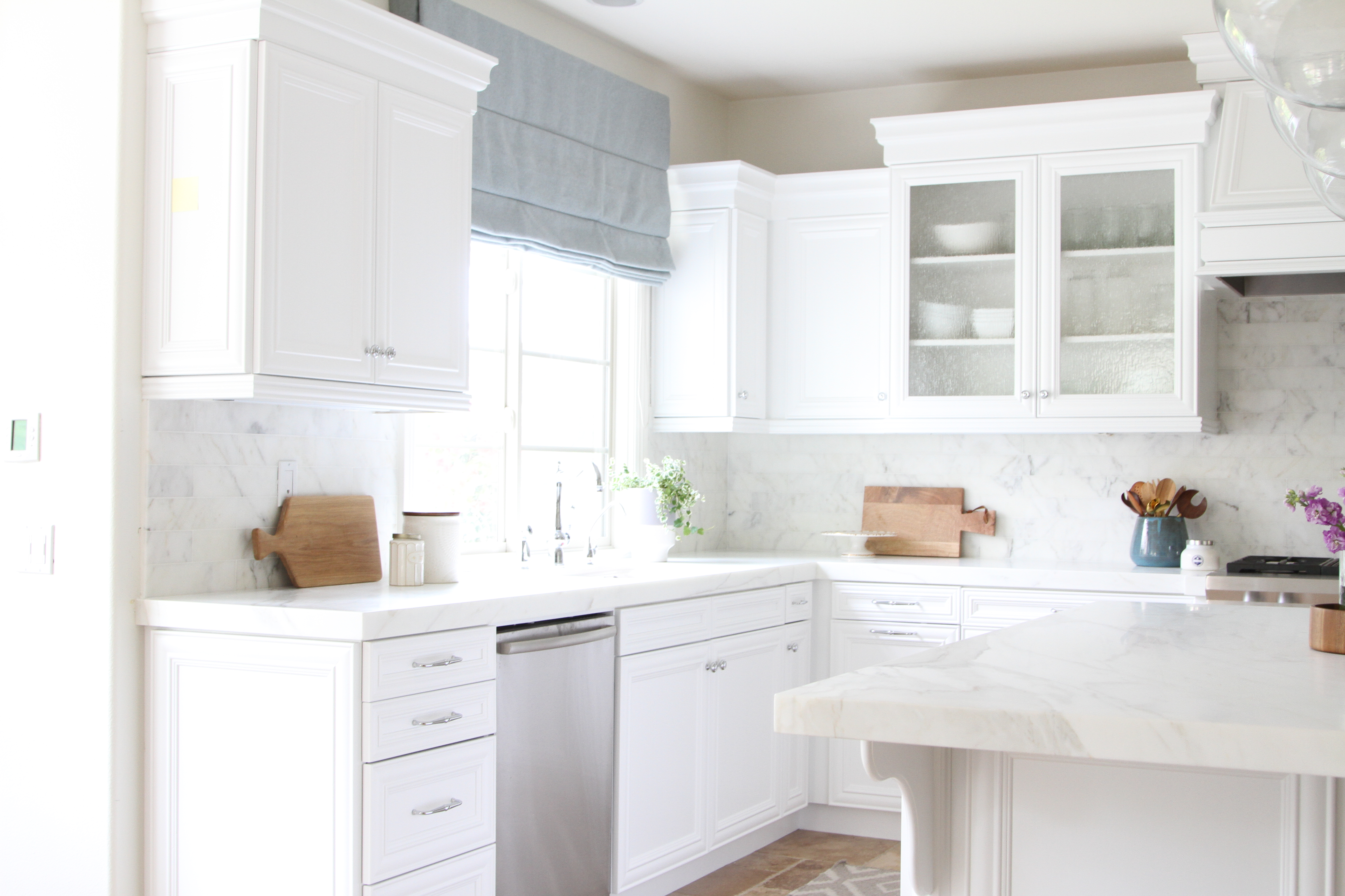 Calming kitchen and dining design | Yes Please