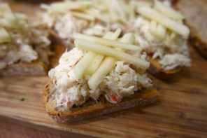 Lime & chilli crab toasts