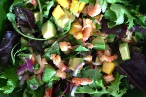 Crayfish, mango and avocado salad with grapefruit dressing