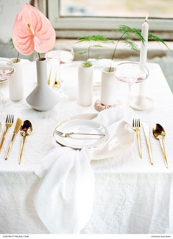 gold cutlery table setting   Yes Please