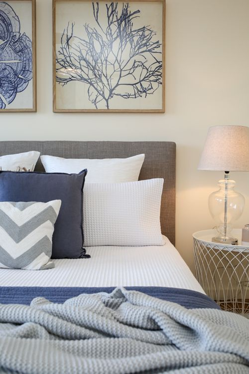 14 bedroom styles themes and colour schemes that work yes please for Navy blue and coral bedroom ideas